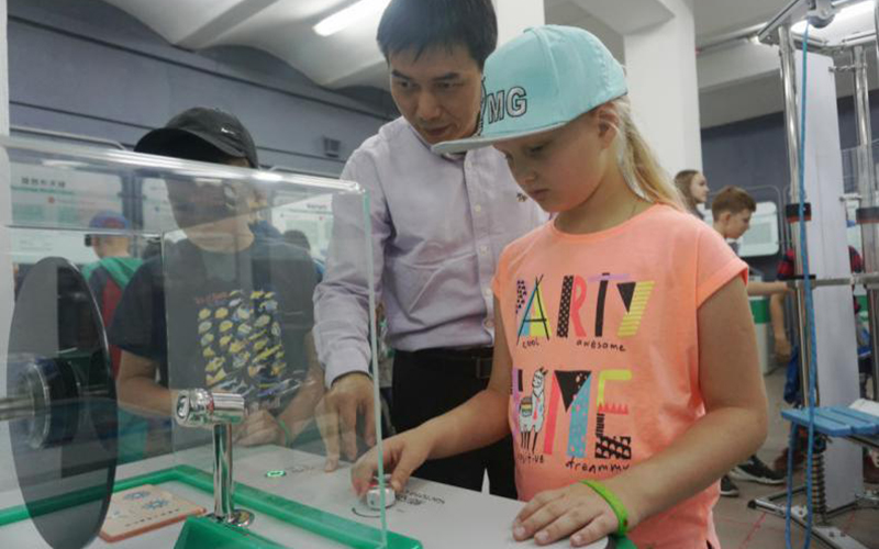 International Exhibition of China Mobile Science and Technology Museum is opened in Blagoveshchensk, Russia